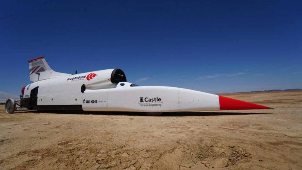 Il Bloodhound LSR supera gli 800 Km/h nei test per battere il record di velocità