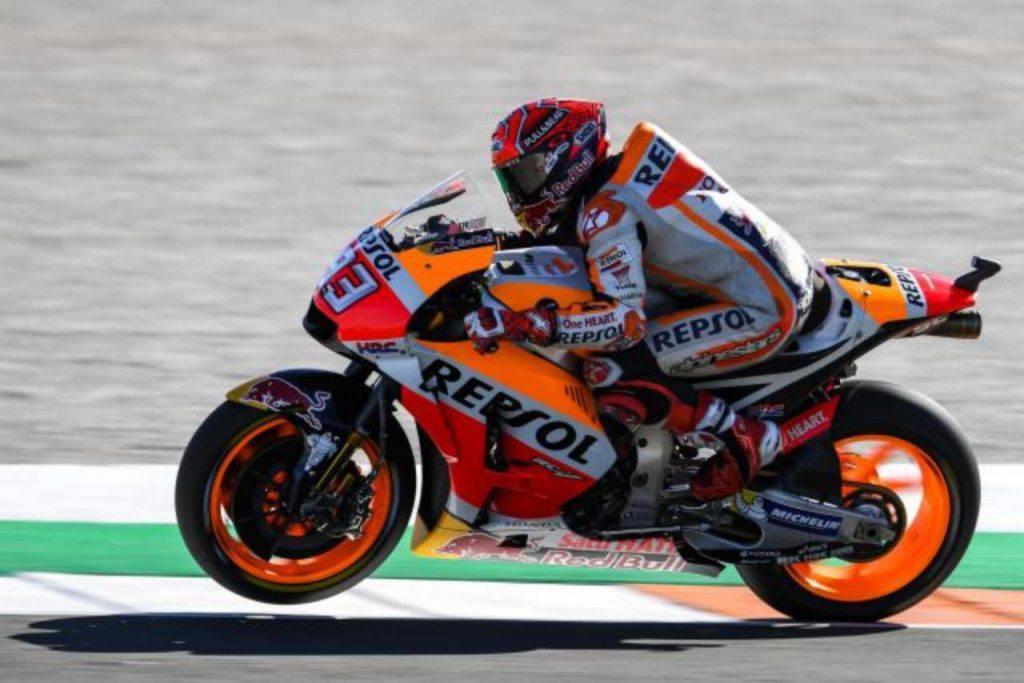 MotoGP, Marquez domina anche a Valencia