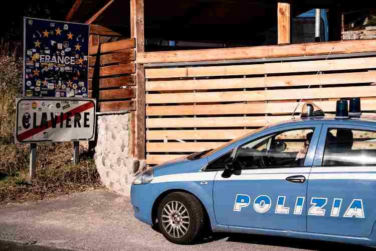Scontro auto Polizia e Carabinieri