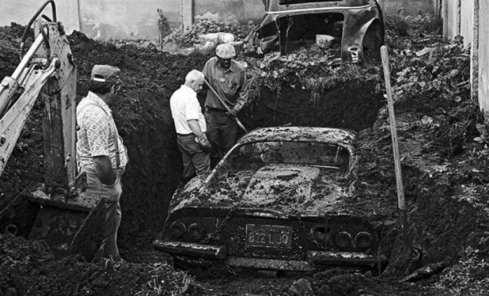 L'Incredibile Storia della Ferrari sepolta sotto terra e ritrovata per caso