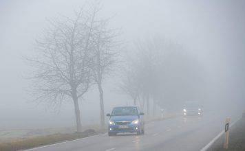 Guidare con la nebbia