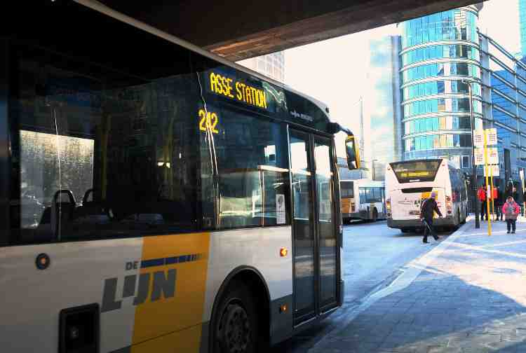 Barzellette auto bus politici