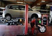 Meccanico pneumatici automobile