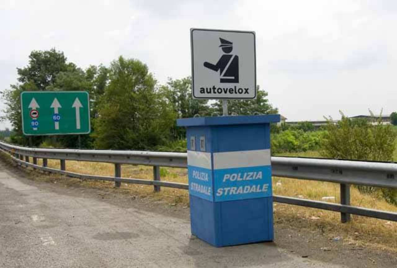 Autovelox impazzito, donna multata perché viaggiava a 703 km/h