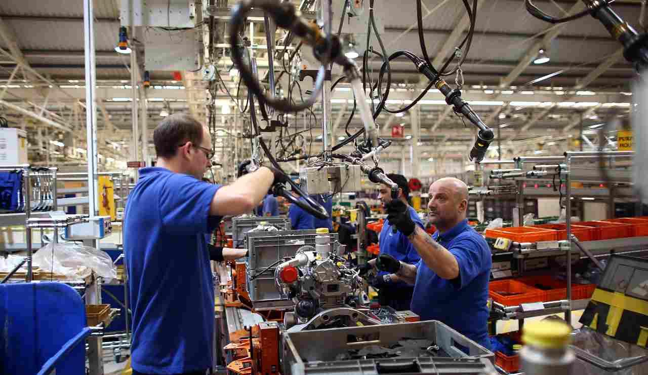 Coronavirus: sospese le produzioni nel settore auto italiano