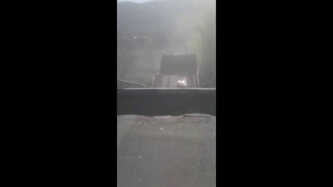 Aulla, crolla il ponte di Albiano Magra. Coinvolto un furgone