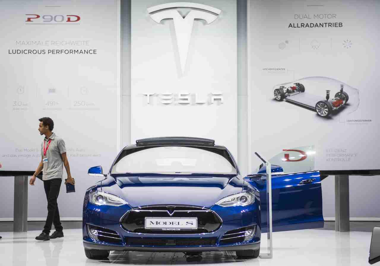 Tesla consegne a domicilio