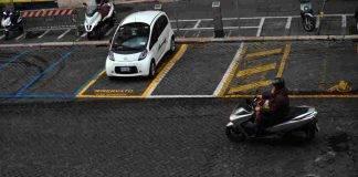 Auto e bici in sharing: i piani e le promozioni per la fase 2 a Roma