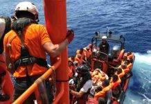 Migranti soccorsi in mare (foto Getty)
