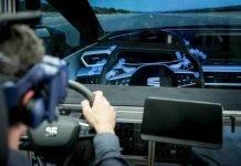 Seat Leon, la prima prova su strada con la realtà virtuale