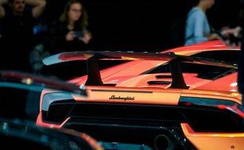 Lamborghini, riparte la produzione
