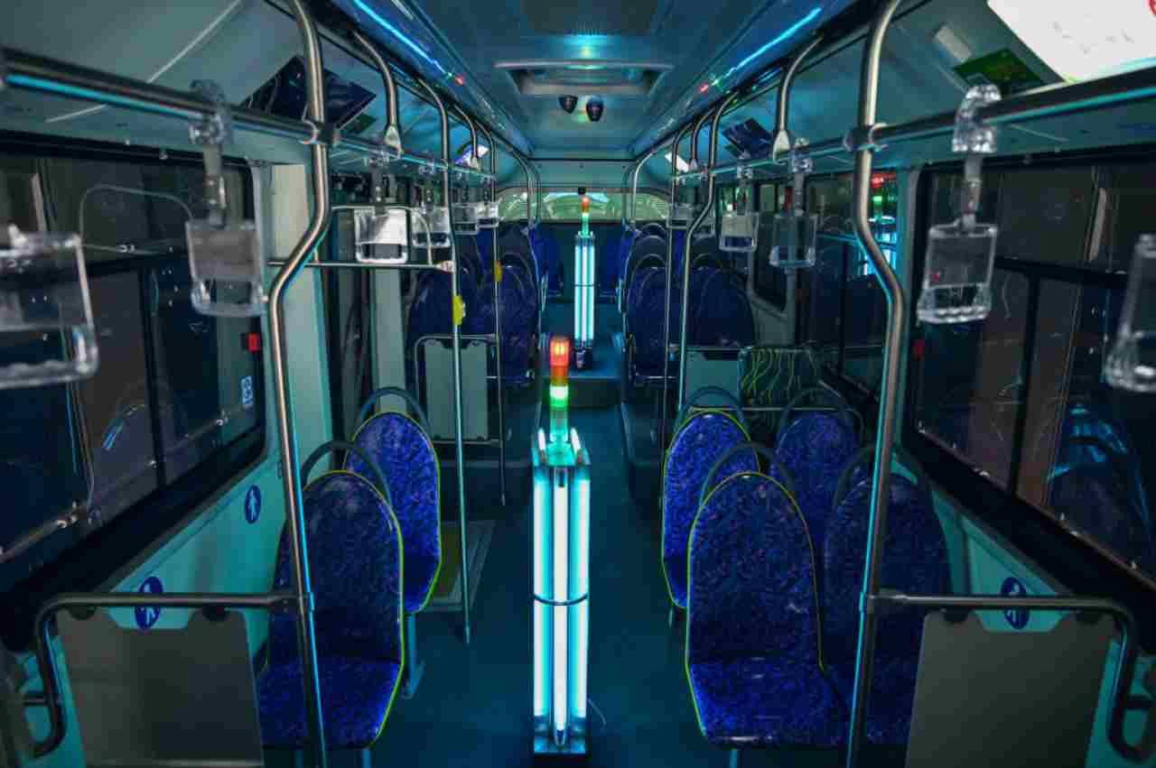 Autobus, tunnel a raggi UV: il progetto italiano