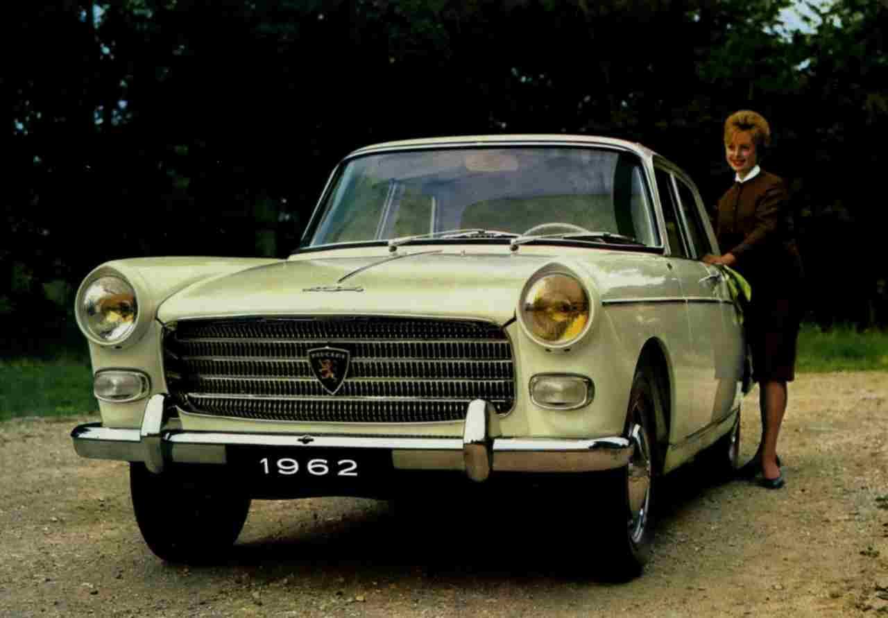 Peugeot 404, i sessant'anni della berlina firmata Pininfarina