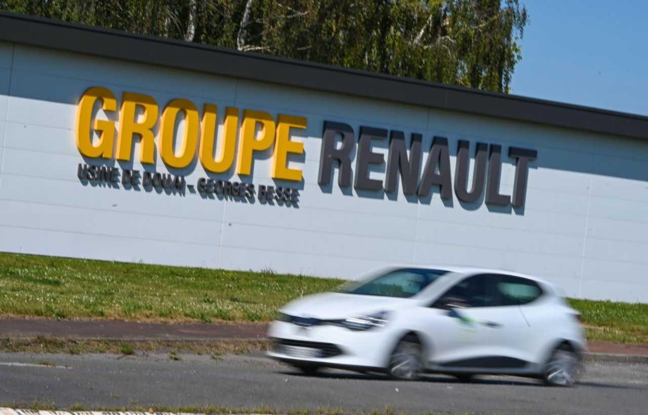 Le Maire spiazza su Renault: