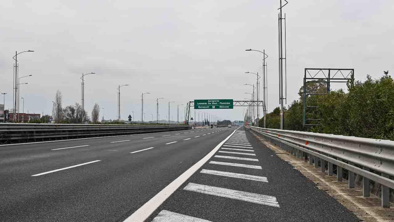 Autostrade in Liguria paralizzate mettono a repentaglio l'arrivo dei vacanzieri