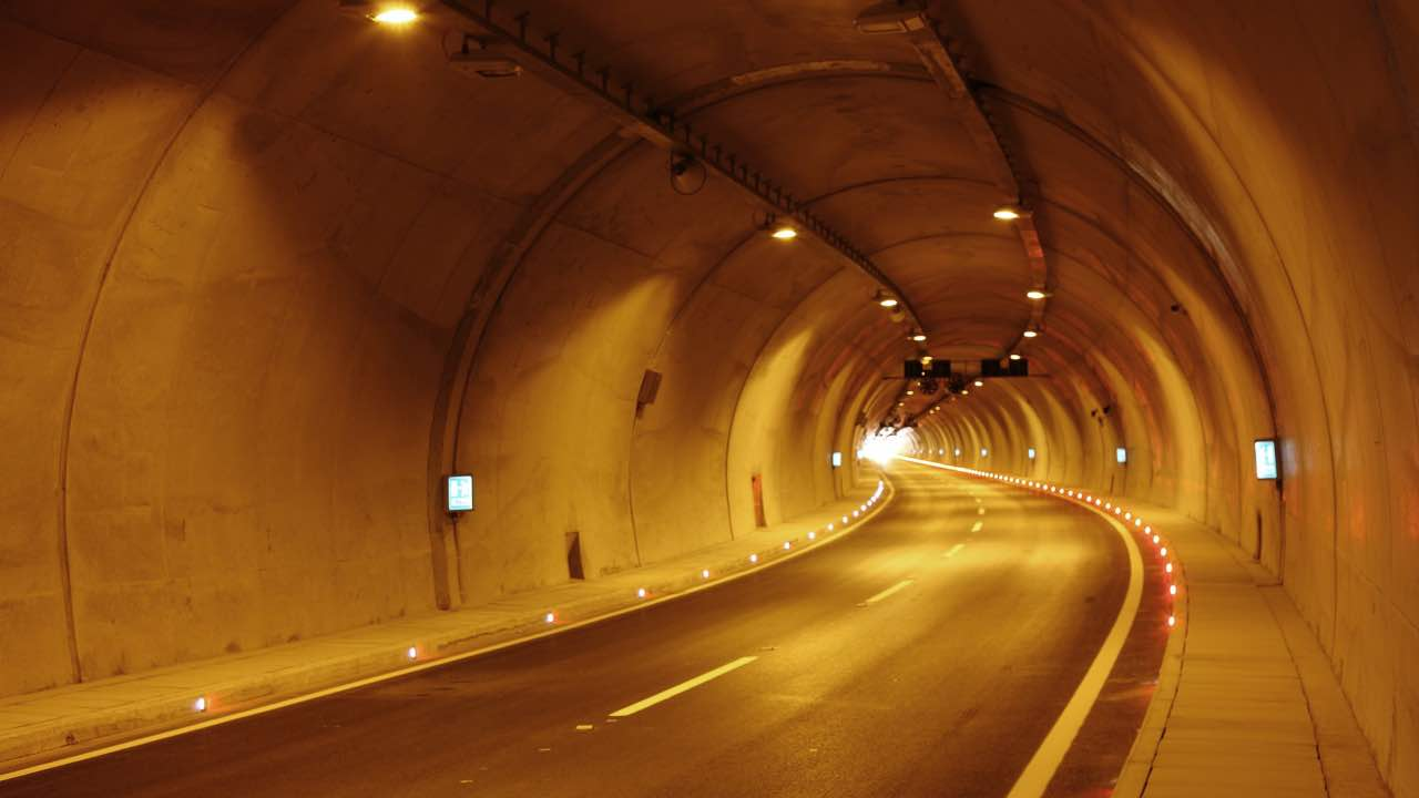 autostrada a1 tunnel