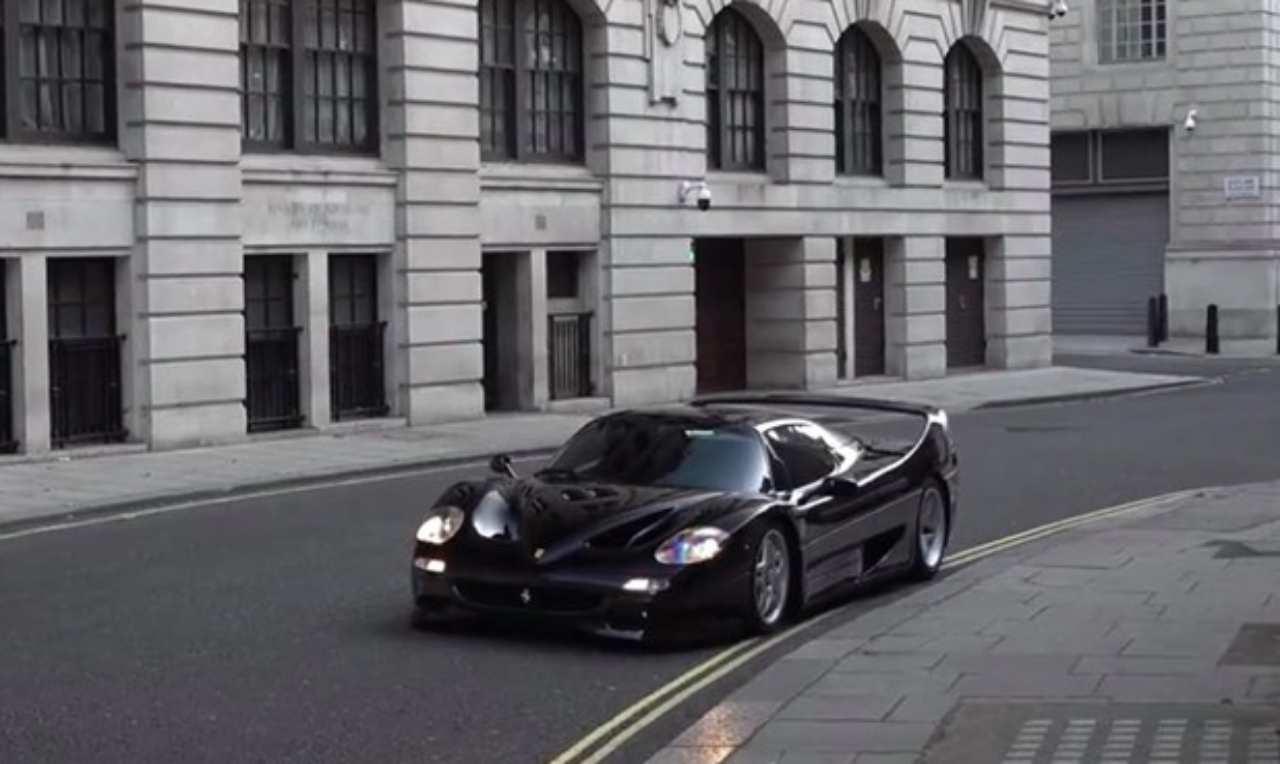 Ferrari F50 nera