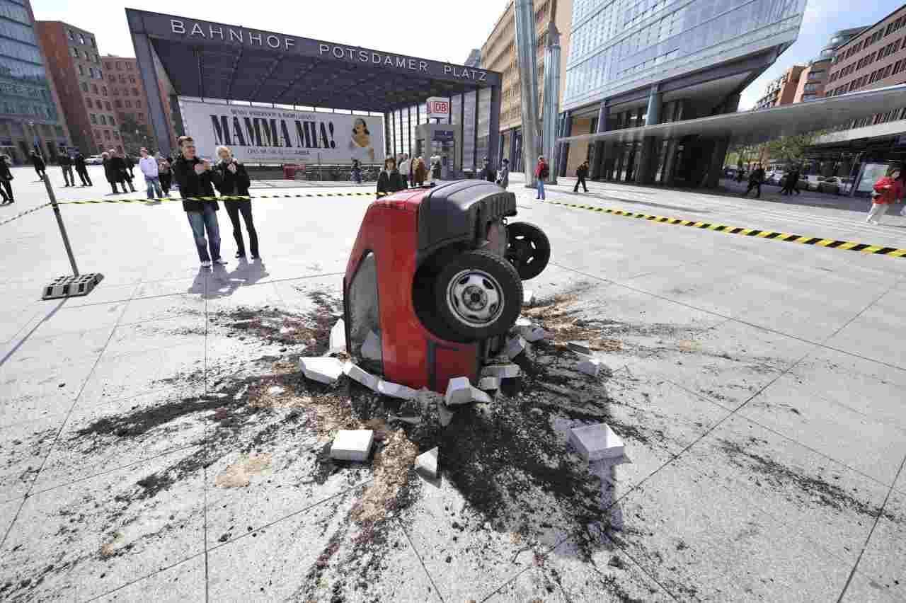 Incidenti auto assurdi