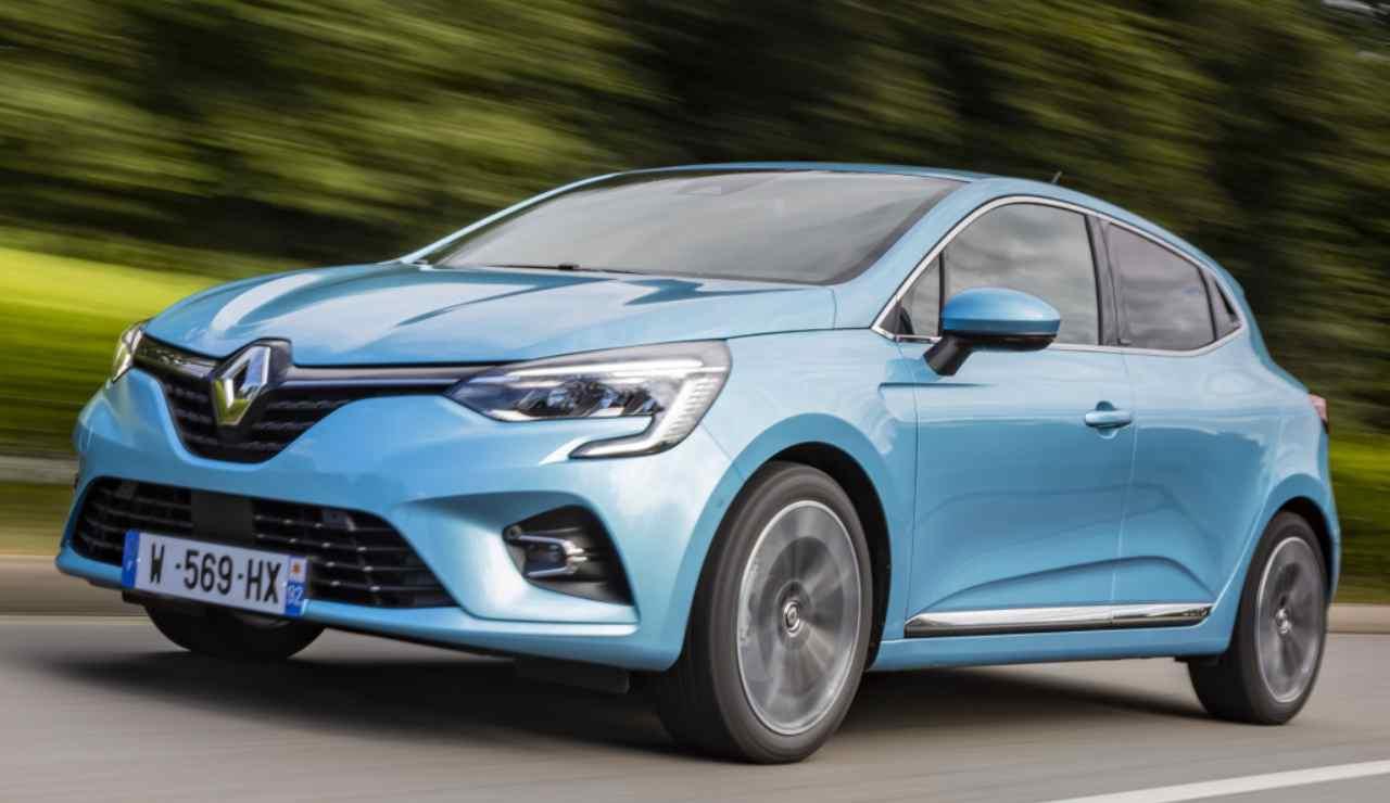 Renault Clio E-Tech Apple CarPlay
