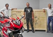 Ducati Superleggera V4, la consegna