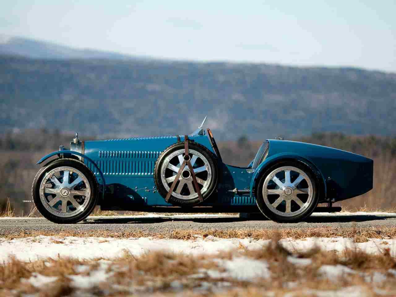 Bugatti Baby II, l'auto giocattolo che costa come una vera - Video