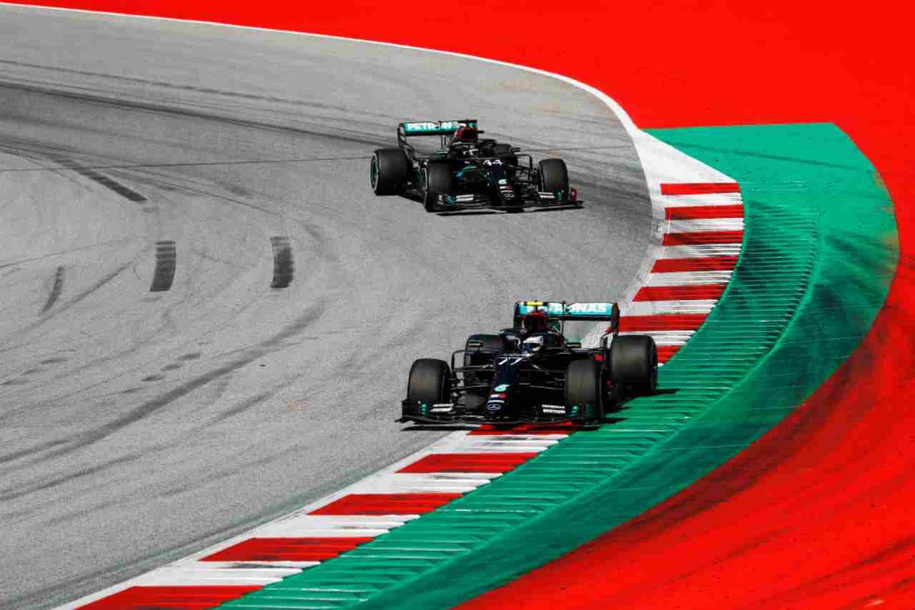 GP Stiria, i problemi Mercedes e l'aggressività sui cordoli