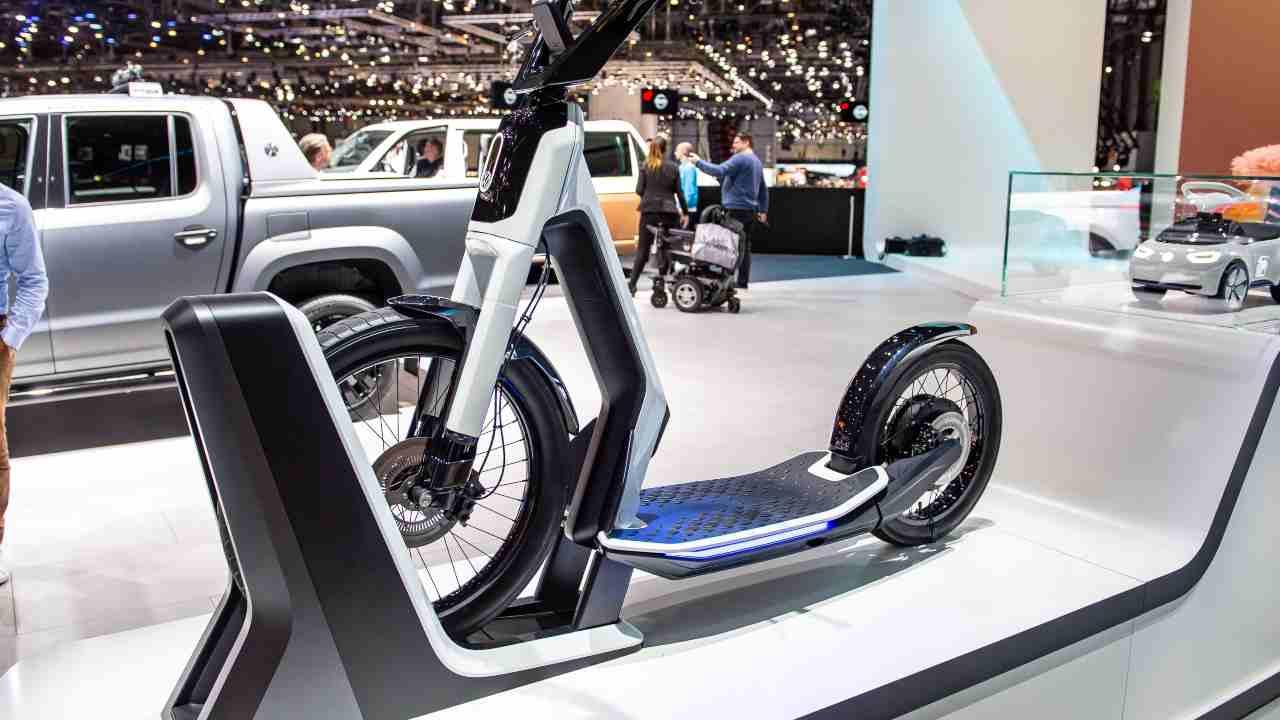 Volkswagen, in arrivo il monopattino Steetmate: i dettagli del progetto