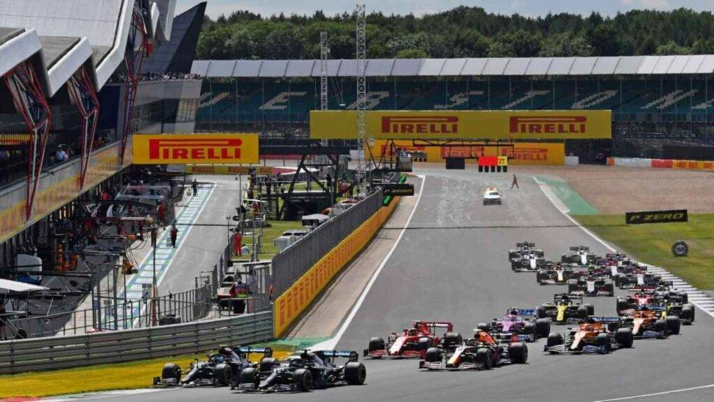 F1, Silverstone 2: Verstappen interrompe il dominio Mercedes, ottimo Leclerc