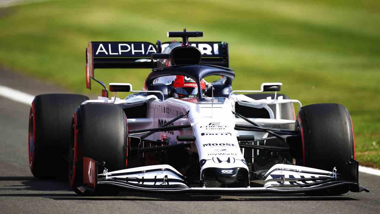 F1 Gp Silverstone, Kvyat penalizzato sulla griglia: il motivo