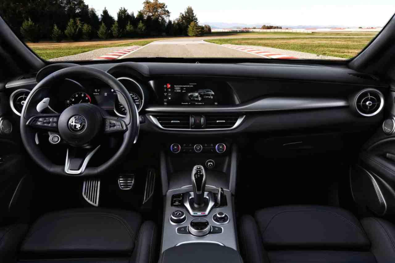 Alfa Romeo, un nuovo SUV per il 2021