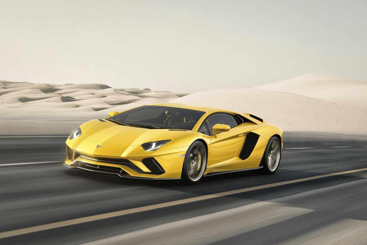 Lamborghini Aventador, festeggiato uno storico traguardo - Foto