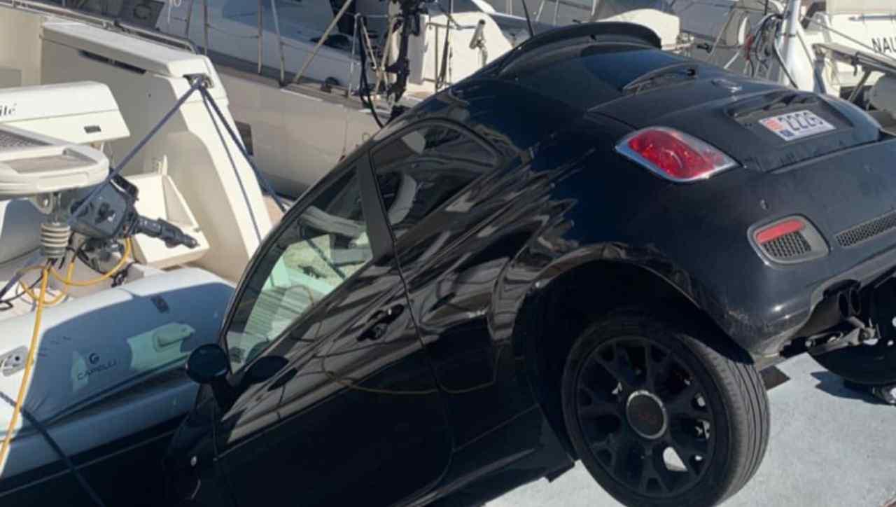 auto contro barca Charles Leclerc