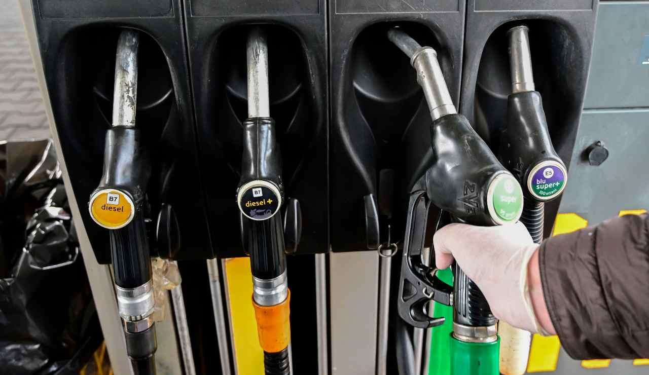 divieto vendita auto benzina diesel