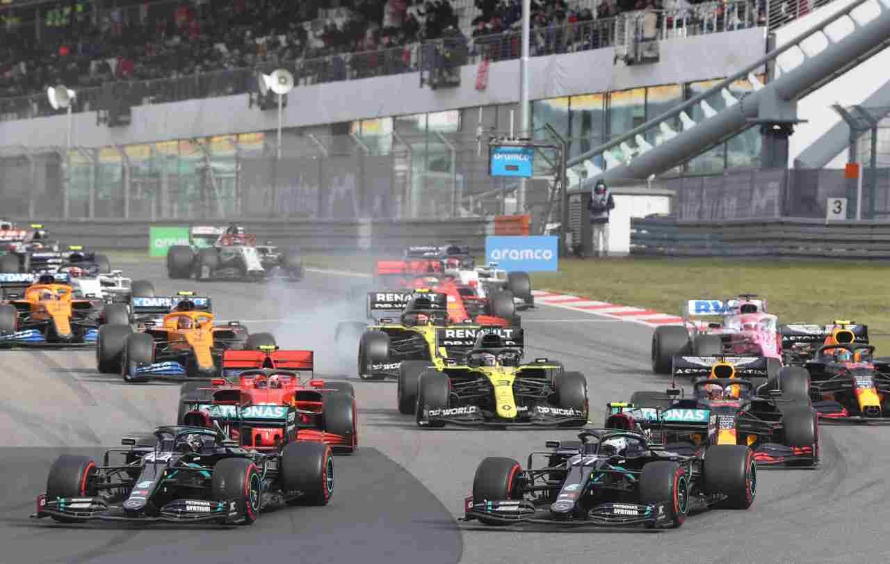 F1 2020, Hamilton contro Verstappen: i punteggi aggiornati nel videogioco
