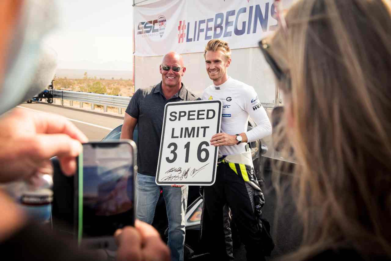 SSC Tuatara da Guinness dei Primati: è l'auto di serie più veloce al mondo