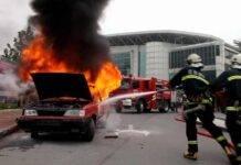 auto incendio moto anziana padova