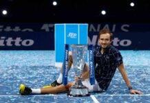 Medvedev, il campione di tennis si allena per la Formula 1
