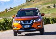 Nissan X, precipita blocco di cemento dal nono piano: il video dell'incidente