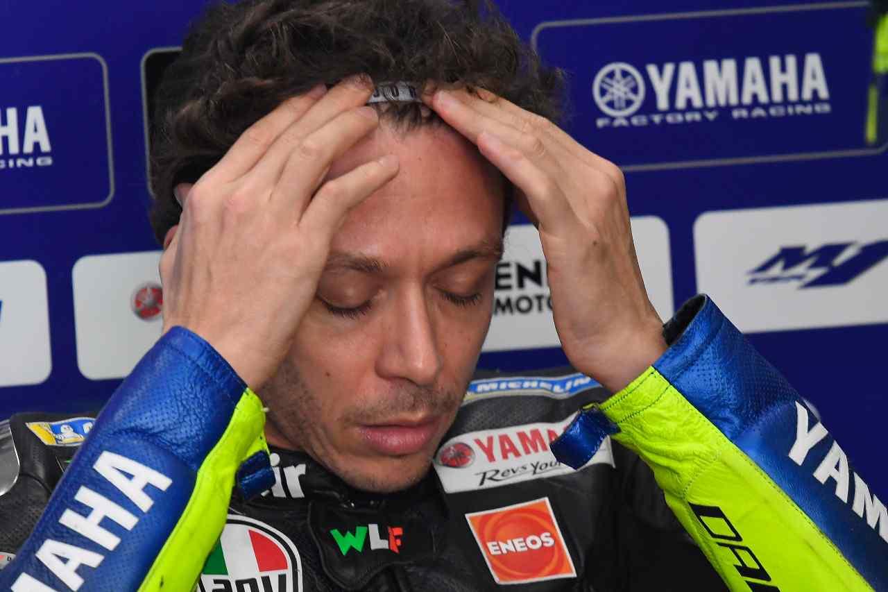 Valentino Rossi, addio alla Yamaha: i messaggi del team - Video