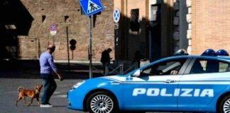 Roma danneggia auto sampietrini