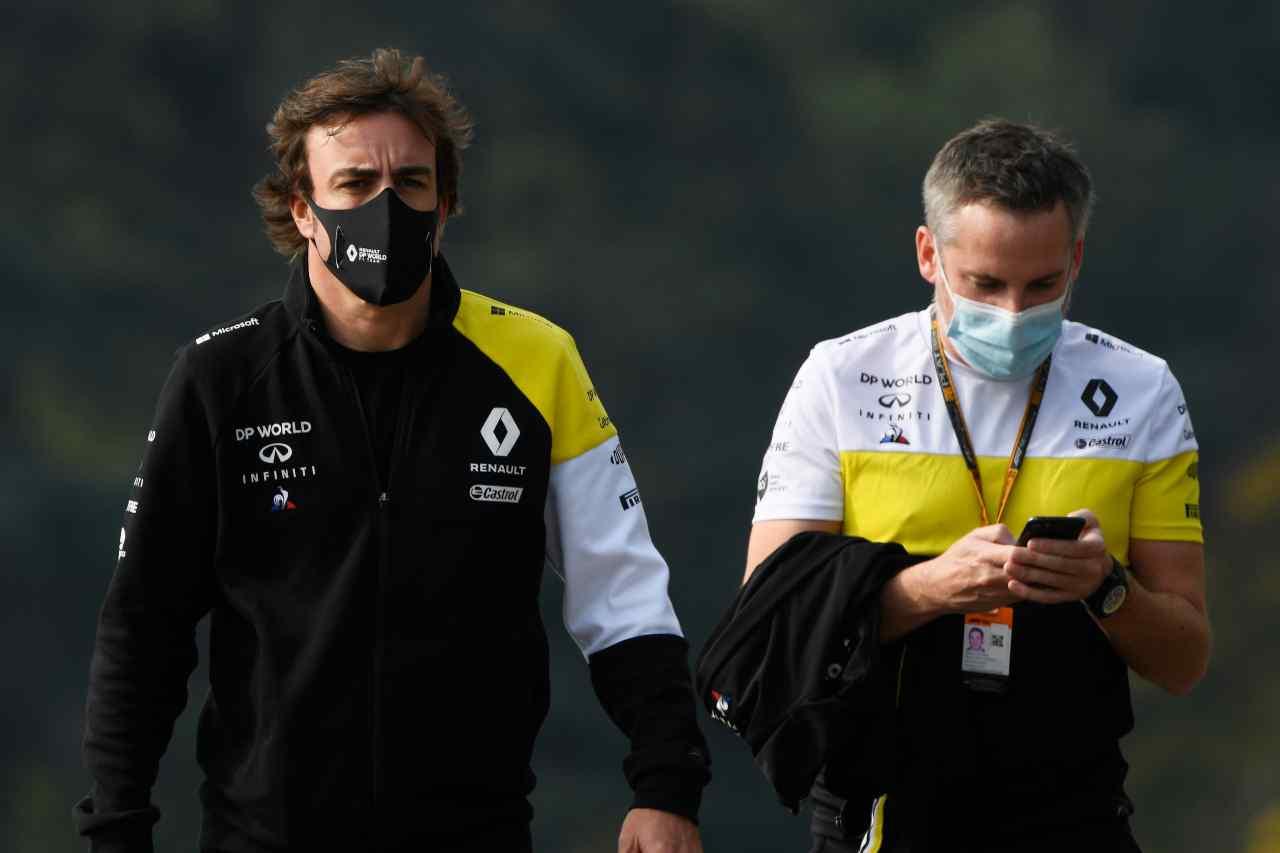 Alonso sarà ai test per giovani piloti di Abu Dhabi: la reazione dei rivali