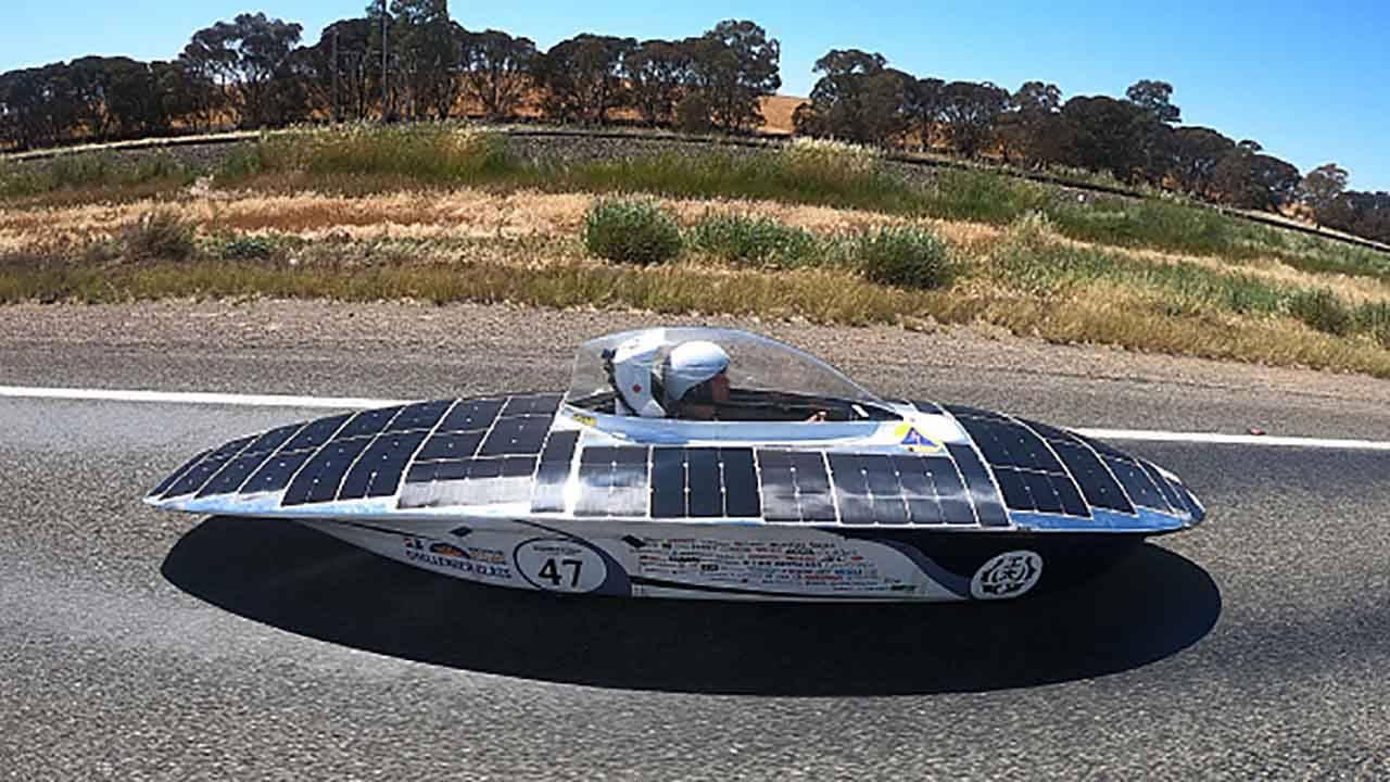 Auto elettriche solari