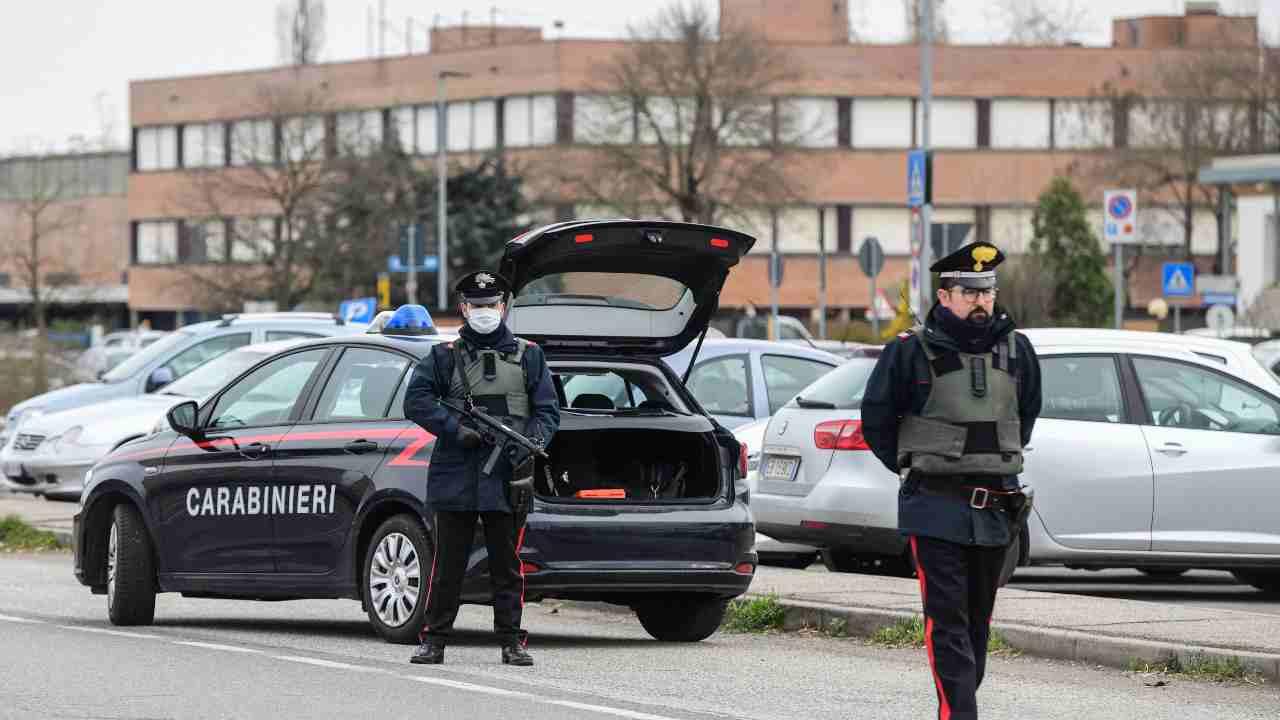Carabinieri - auto senza assicurazione