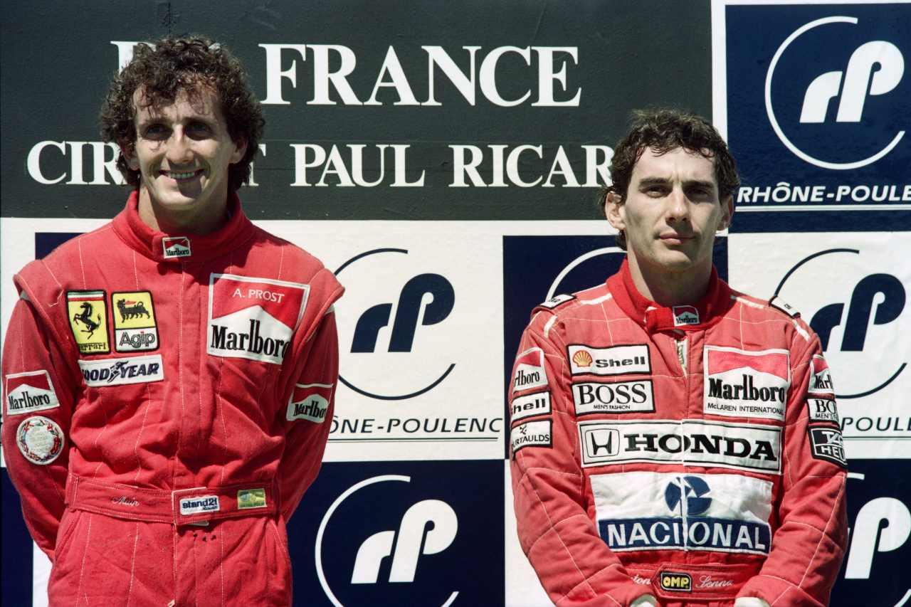 Prost vinse il GP 1990. La foto sul podio con Senna, terzo (foto Getty)