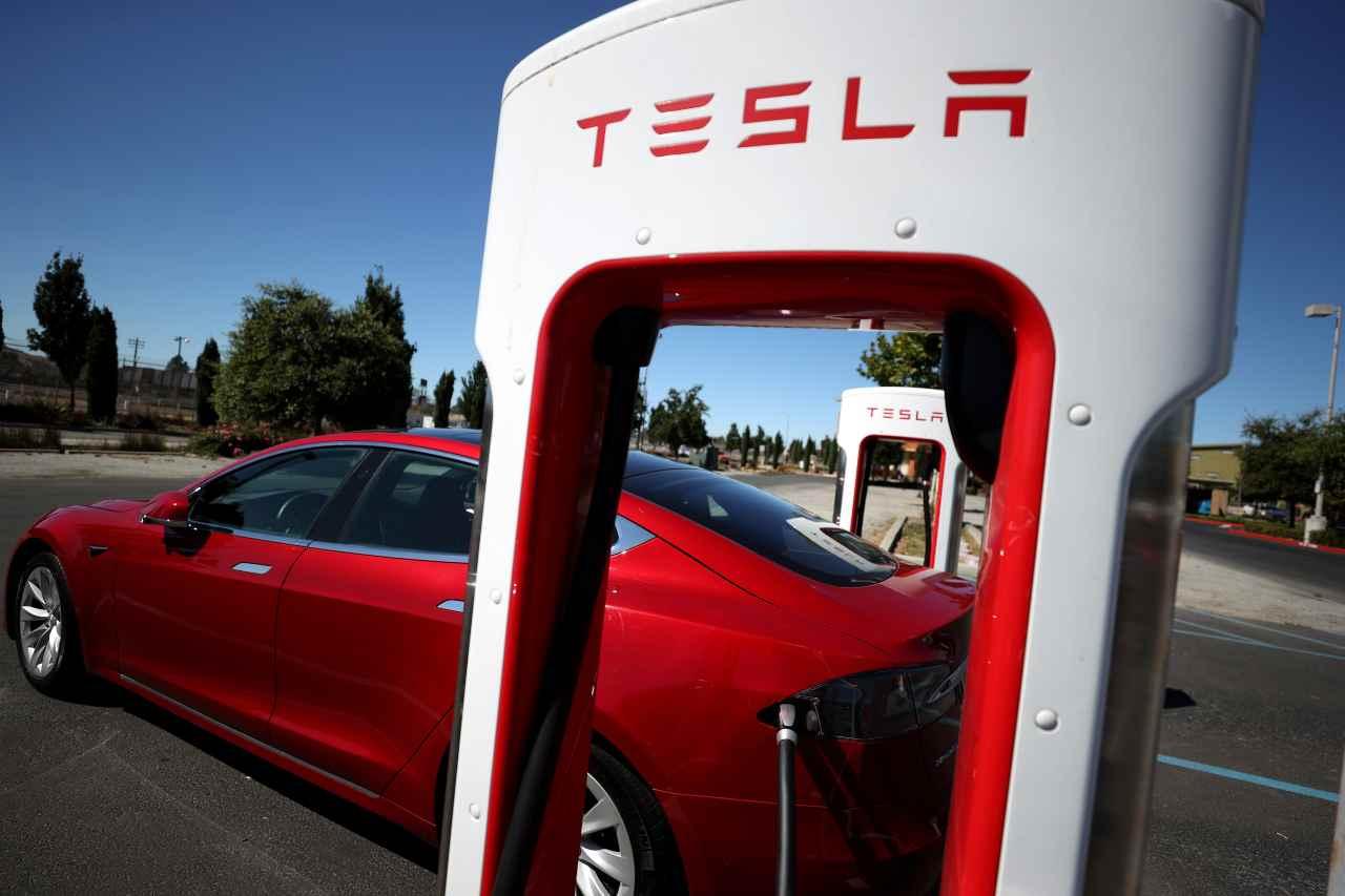 Tesla a Shanghai supercharger