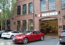 Tesla Model S 2021, maxischermo e volante a farfalla: novità e prezzi