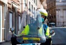 Postini al lavoro su mezzi ibridi ed elettrici: via ai test nelle città italiane