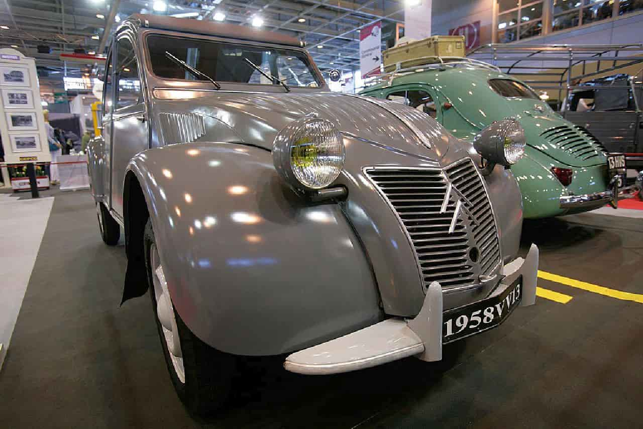 Auto d'Epoca, Salone Retromobile di Parigi rimandato al 2022 causa Covid