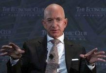Jeff Bezos, venduto il biglietto per il viaggio nello spazio: il costo è impressionante