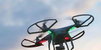Drone in volo sul vulcano Fagradalsfjal: la lava lo travolge, video da brivido